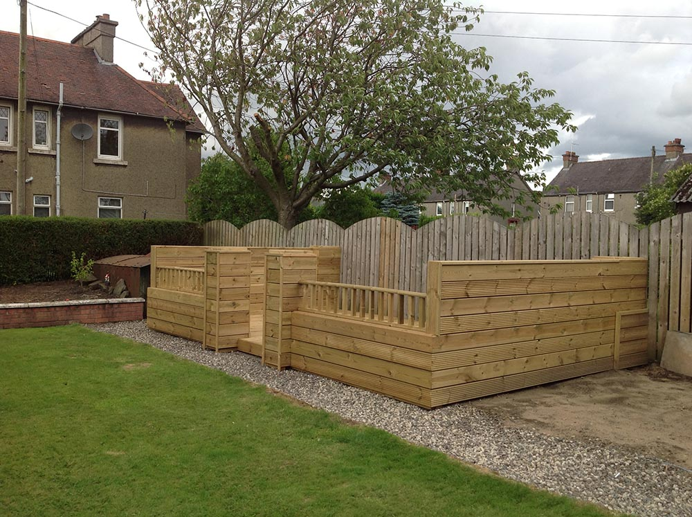 decking in paisley